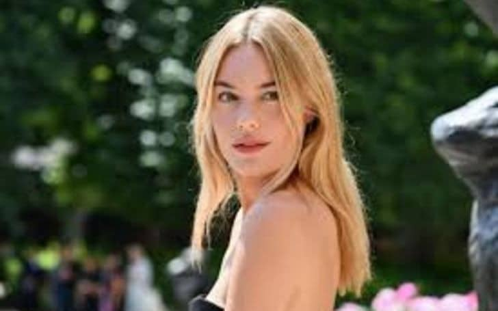 Camille Rowe - Net Worth 2020/2021, Salary, Age, Height, Weight, Bio, Family, Career, Wiki
